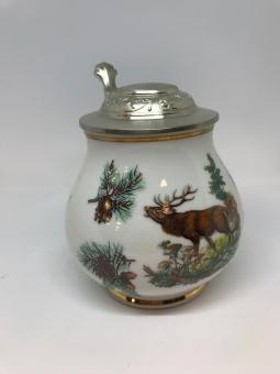 Porcelánový džbán s jelenem